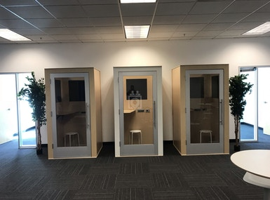 Corner Workplace image 3