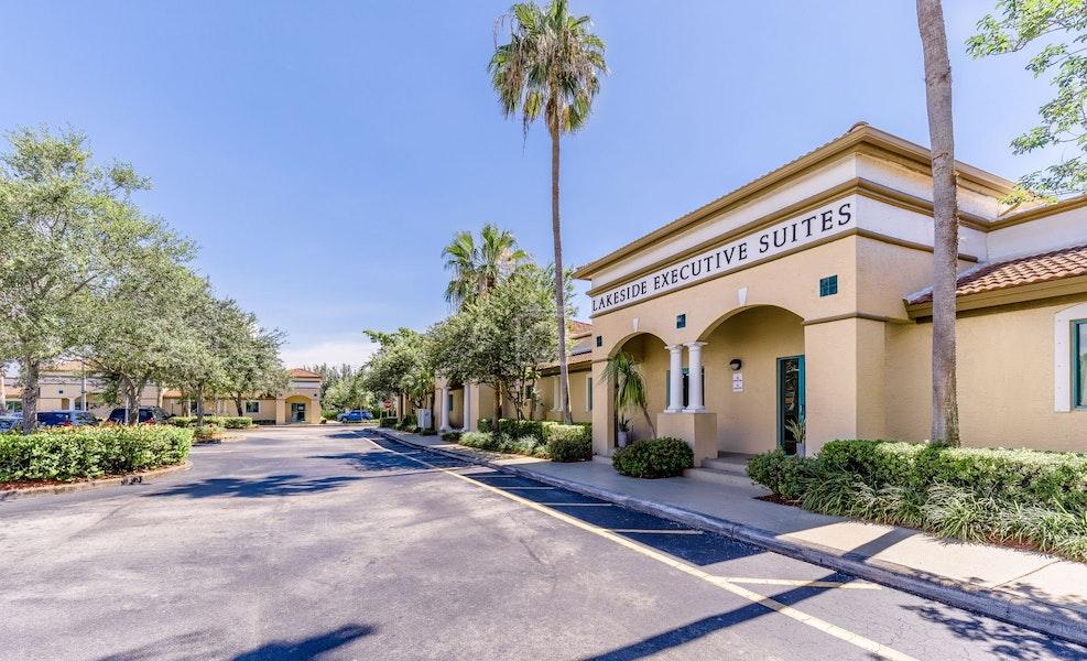 Lakeside Executive Suites, Weston