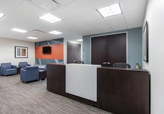 Regus - Illinois, Downers Grove - Executive Towers West image 2