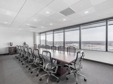 Regus - Illinois, Schaumburg - 1600 Corporate Centre image 4
