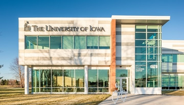 Regus - Iowa, Davenport - Birchwood Office Building image 1