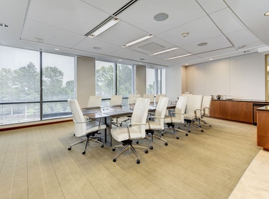 Carr Workplaces Friendship Heights image 5