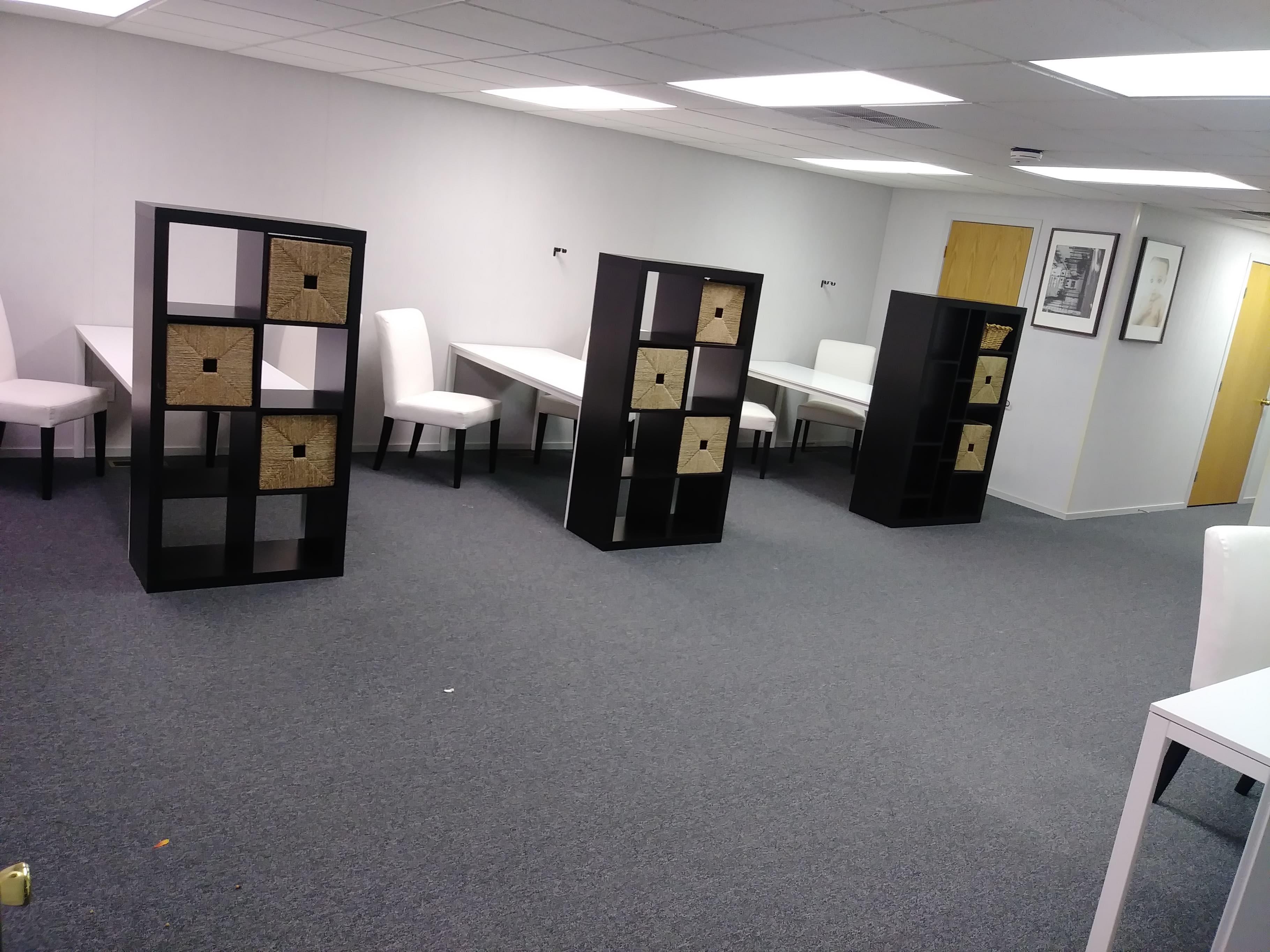 Artismo Studio Share, Saline
