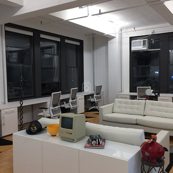 11 Desks, NYC