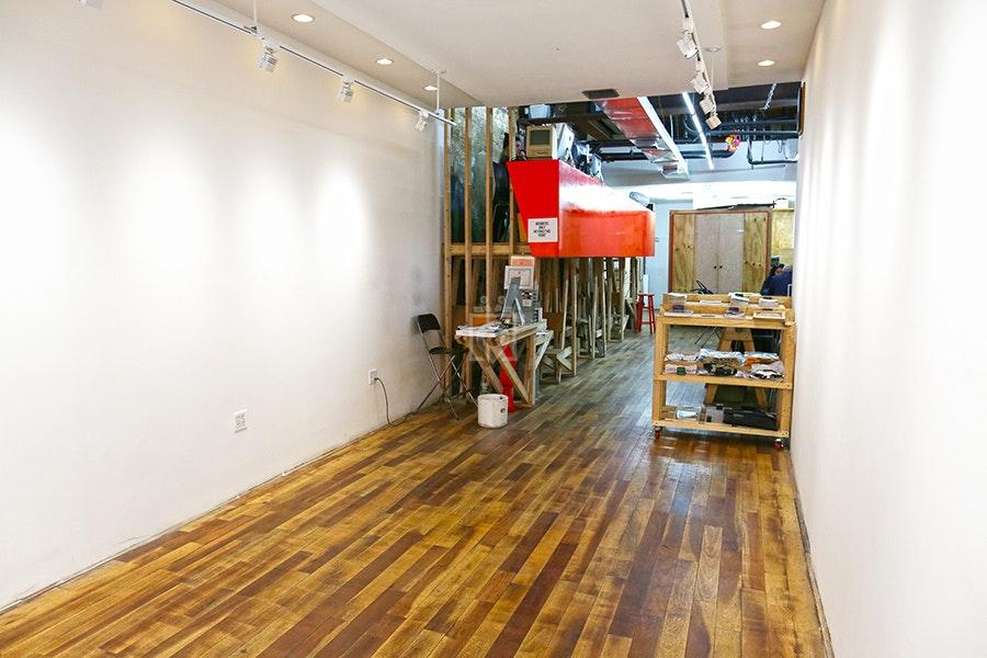 Con Artist, NYC