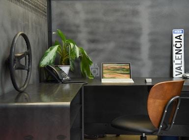 Urban Office image 3