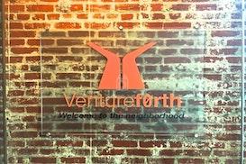 Venturef0rth, Sewell