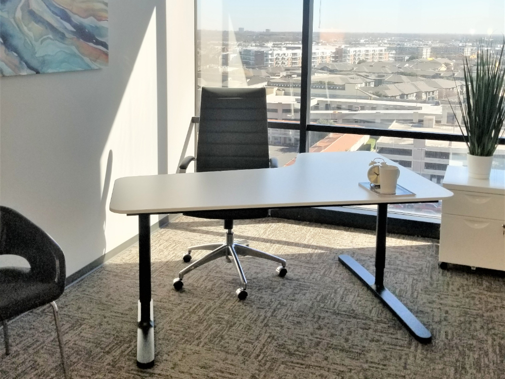 WORKSUITES - Uptown Central Exwy, Dallas