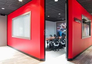 Houston Business Lounge image 2