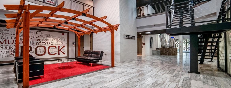 Houston Business Lounge, Houston