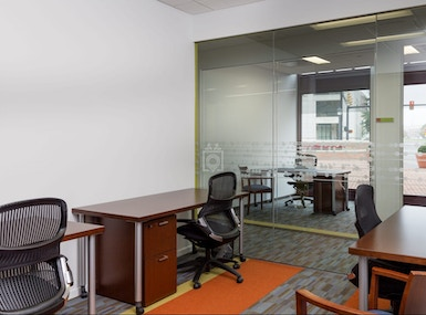 Carr Workplaces Duke Street image 3