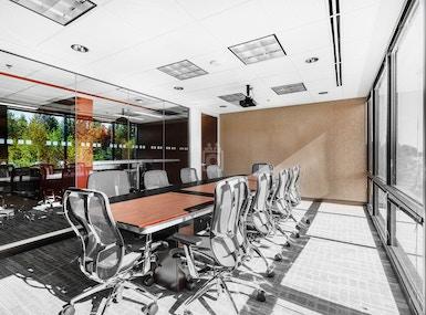 Regus - Washington, Mountlake Terrace - Redstone Corporate Center image 4
