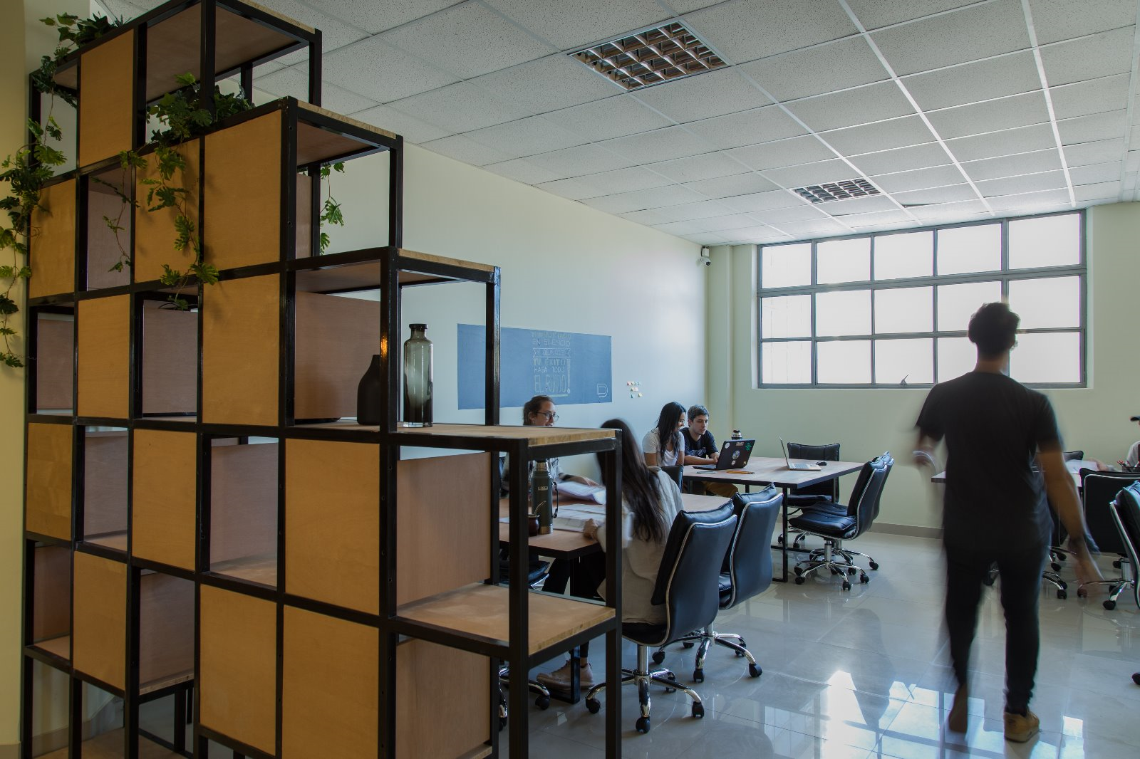 Del Plata Office, Montevideo