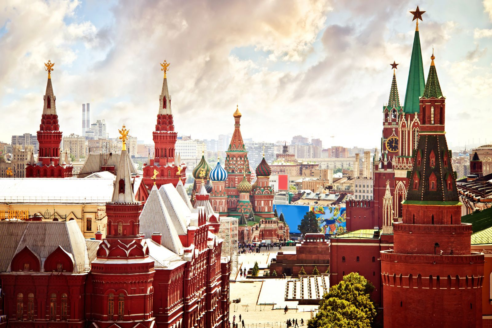 A TALE OF TWO CAPITALS: MOSCOW AND SAINT PETERSBURG