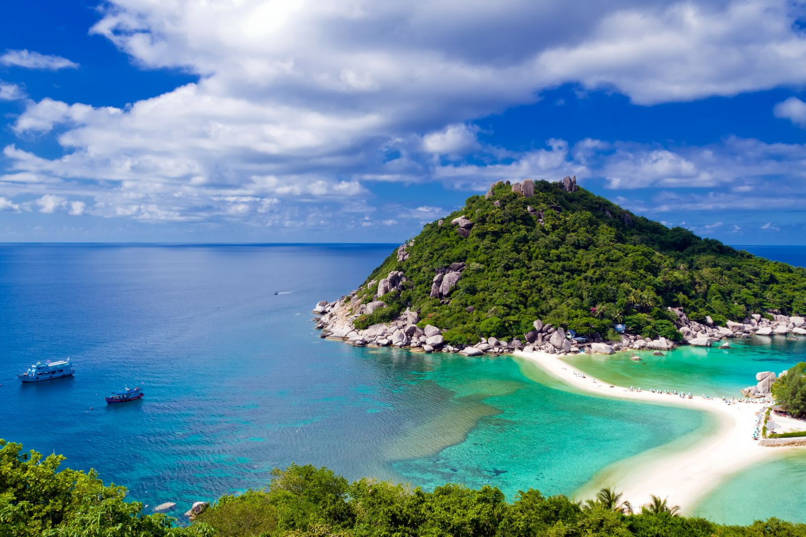 Top coworking spaces in koh phangan thailand for Table 99 koh samui